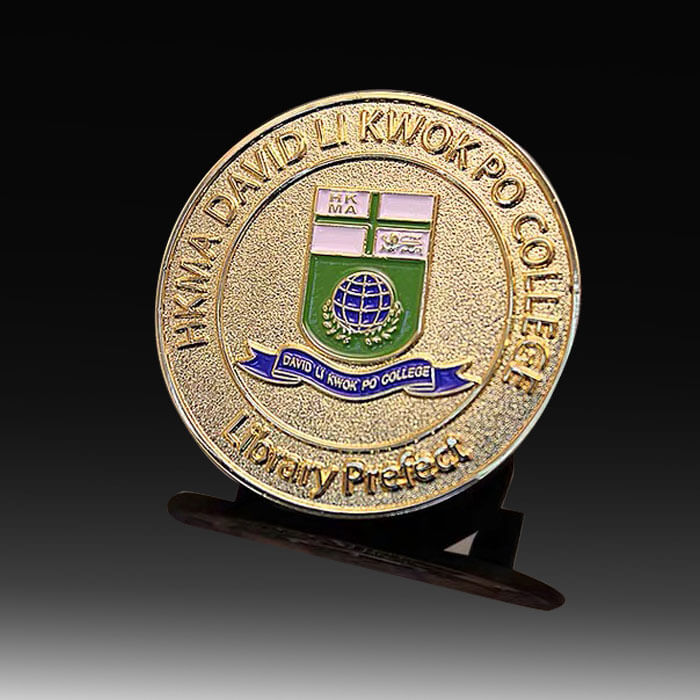 custom school badge pins gold finish